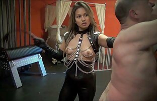 Jeune ado potelée se masturbe sa porno gratuit à regarder chatte crémeuse humide