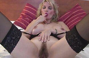 blonde meid extrait video x heeft sexe op de vloer