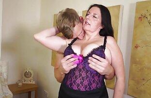 Grandes film erotique gratuit lèvres bébé pompe et joue sa chatte