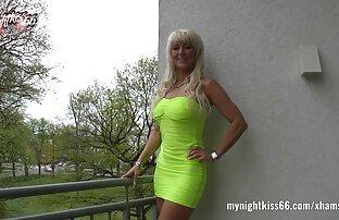 La jolie blonde Halle se fait baiser par un gode porno anglais gratuit