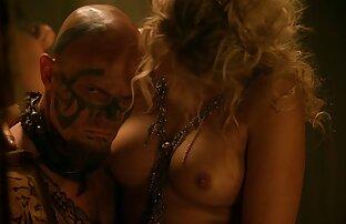 Skinny Dani film entier porno gratuit aime monter une énorme bite