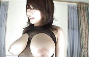 Mischelle exhibant sa belle chatte poilue film porno vore